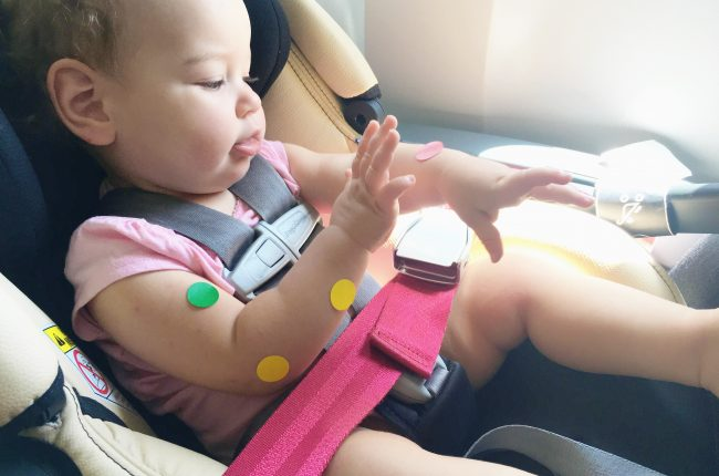top-5-tips-on-how-to-survive-flying-with-a-toddler-and-a-baby